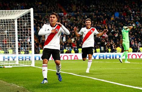 River Platen Juan Quintero juhli voittomaaliksi jäänyttä maaliaan lisäajalla Copa Libertadoresin finaaliottelussa Madridissa.