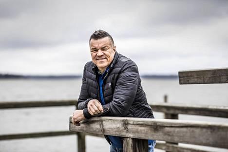 """Jarmo Mäkinen kertoo, että hänelle kaavaillaan Ruotsin televisioon omaa rakennusohjelmaa. Miltä idea kuulostaa? """"Rahaltahan se kuulostaa."""""""