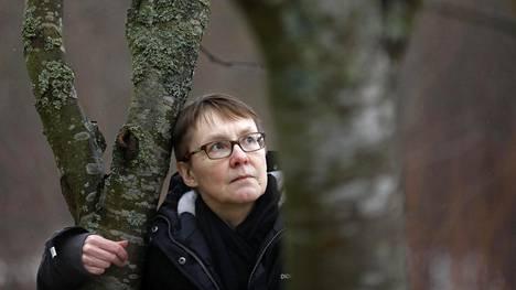 """""""Millaisiin töihin minut voisi palkata"""", Kaisa Tolonen kysyy. Vantaalta ei ole löytynyt koulua, missä hän voisi olla."""