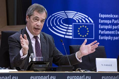 Brexit-puolueen johtaja Nigel Farage piti viimeisen lehdistötilaisuutensa Brysselissä keskiviikkona.