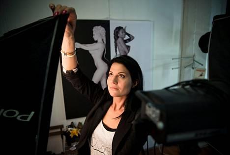 Marika Kiviharju halusi tehdä valokuvaprojektin, joka saa näkyvyyttä ja josta hän voisi olla itse ylpeä.