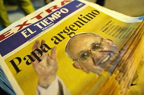 Näin kolumbialaislehti esitteli maailman ensimmäisen Latinalaisesta Amerikasta kotoisin olevan paavin.