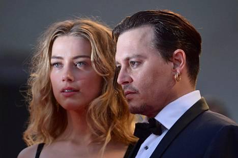 Amber Heard ja Johnny Depp vuonna 2015.
