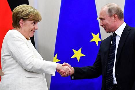 Saksan liittokansleri Angela Merkel ja Venäjän presidentti Vladimir Putin tapasivat perjantaina Sotšissa.