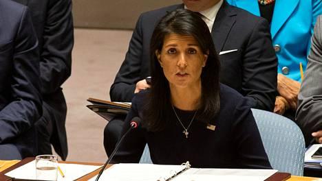 Yhdysvaltojen YK-suurlähettiläs Nikki Haley vaati maanantain hätäkokouksessa kovempia keinoja Pohjois-Korean pysäyttämiseksi.
