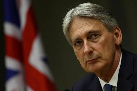 Britannian valtiovarainministeri Philip Hammond on vaatinut, että Britannian on pyrittävä eroneuvotteluissa säilyttämään hyvät taloudelliset suhteet unionin kanssa. Nyt hänen linjansa näyttää saaneen voiton hallituksessa.