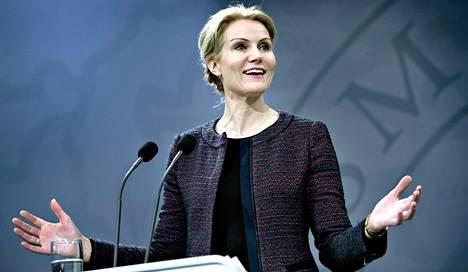 Tanskan pääministeri Helle Thorning-Schmidt selitti hallituksensa tilannetta Kööpenhaminassa torstaina.