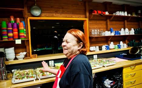 Jos voileipiä ei ole tarjolla, nuoret kyselevät niiden perään, kertoo vapaaehtoistyöntekijä Uula Koukku.