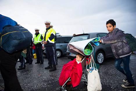 Unkarin pääkaupungista Budapestista eteenpäin lähteneitä pakolaisia saapui Itävallan rajalle syyskuun alussa.