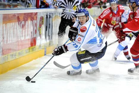 Jori Lehterä on pelannut myös Leijona-paidassa.