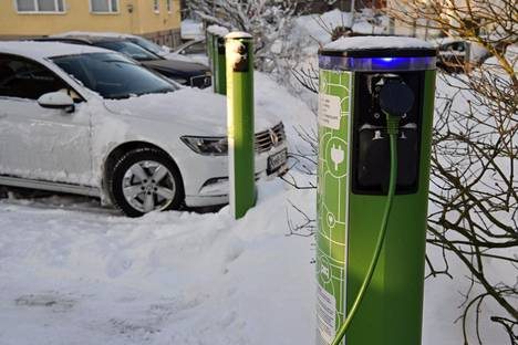 In the future, in addition to housing companies, jobs can apply for support for the construction of charging points for electric cars.