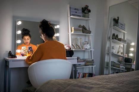 Cheyenne Järvinen alkoi jakaa Instagramissa ihmisten kokemuksia Fitline-tuotteiden jälleenmyynnistä alun perin levittääkseen tietoisuutta verkostomarkkinoinnista.