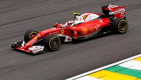 Kimi Räikkönen onnistui aika-ajossa paremmin kuin tallikaverinsa.