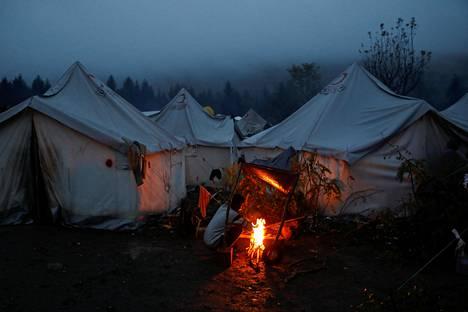 Maahanmuuttajien leiri Bihacissa Bosniassa lähellä Kroatian rajaa lokakuussa 2019.