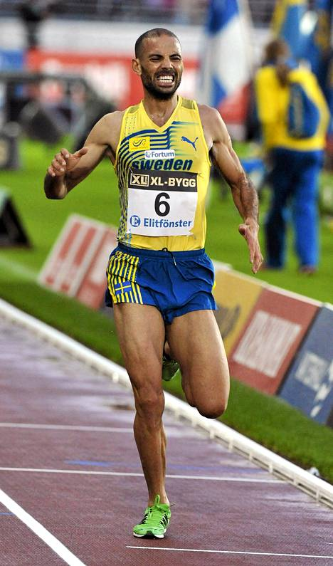 Adil Bouafif voitti Suomi-Ruotsi-ottelun 10000 metrin kisan vuonna 2011.