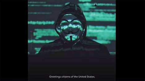 Kuvakaappaus Anonymousin julkaisemalta videolta.