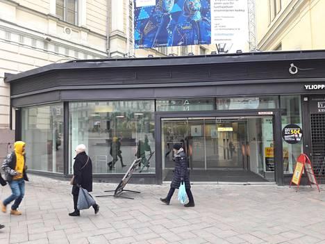 Sepät antavat koronavirukselle kyytiä – ikoninen patsas laitettiin uuteen uskoon Helsingissä