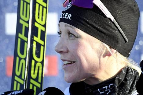 Kaisa Mäkäräinen hiihti lauantaina SM-hopealle naisten 10 kilometrin (v) kilpailussa.