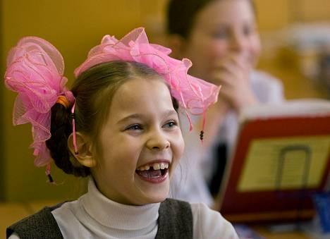 Venäjän syntyvyysluvut romahtivat 1990-luvulla, kun Neuvostoliitto luhistui. Kuvassa kaliningradilainen koulutyttö.