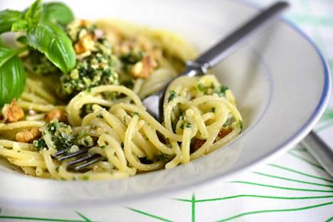 Pasta kohtuullisina määrinä ja osana kasvispainotteista Välimeren ruokavaliota ei lihota, toteaa tuore italialaistutkimus.