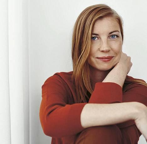 Tiina Katriina Tikkasen romaani perustuu osittain kirjailijan omaan elämään.
