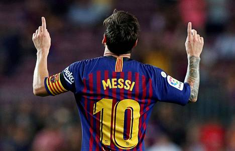 Lionel Messi tuulettaa maalinteon jälkeen Alavesia vastaan pelatussa La Ligan avauskierroksen ottelussa. Barcelona voitti ottelun 3–0.