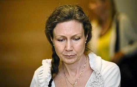 Anneli Auer käräjäoikeuden salissa Porissa keskiviikkona 21. elokuuta 2013.