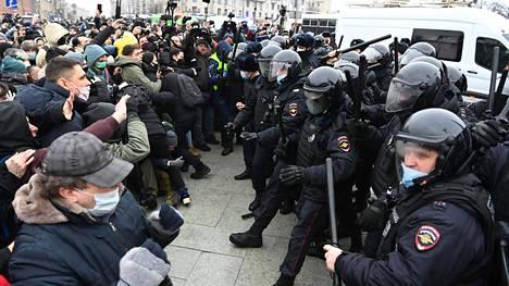 Moskovassa osoitettiin mieltä viime lauantaina oppositiojohtaja Aleksei Navalnyin vangitsemista vastaan.