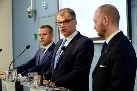 Valtiovarainministeri Petteri Orpo, pääministeri Juha Sipilä ja eurooppa-, kulttuuri- ja urheiluministeri Sampo Terho kokoontuvat illalla keskustelemaan perhevapaiden uudistamisesta.