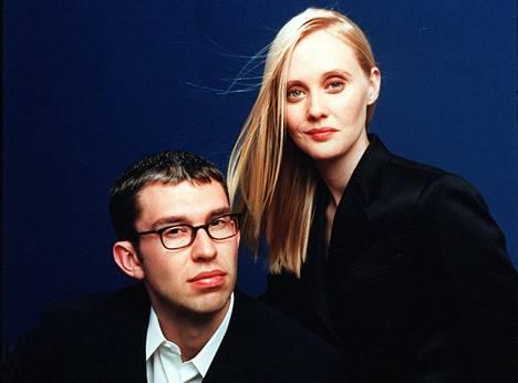 Boo.comin perustajille Ernst Malmstenille ja Kajsa Leanderille oli tärkeää näyttää kuvissa tyylikkäiltä. Se oli tapa edustaa yrityksensä brändiä.
