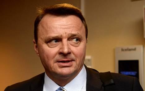 Jääkiekkoliiton liittovaltuusto käsitteli lauantaisessa kokouksessaan liittohallituksen varapuheenjohtajan Jukka Toivakan asemaa ja päätti Toivakan voivan jatkaa luottamustoimissaan häntä koskevan oikeusprosessin ollessa kesken.