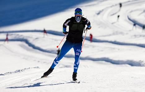 Martti Jylhä testasi lisähappea Val Senalesin jäätiköllä Italiassa viime vuoden lokakuussa.