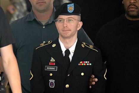 Bradley Manning tulossa tuomioistuimesta Fort Meadessa, Marylandissä heinäkuun lopulla.