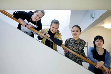 Paavo Nurmi, Lotta Ilonen, Noémi Peura ja Sari Alihaanperä opiskelevat Porolahden peruskoulussa. Heidän mielestään koulussa voisi olla nykyistä rauhallisempaakin tai ainakin hiljaisempaa, mutta turvatonta siellä ei ole.