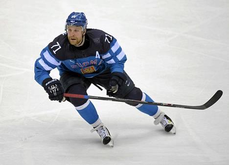 Leo Komarov vauhdissa.