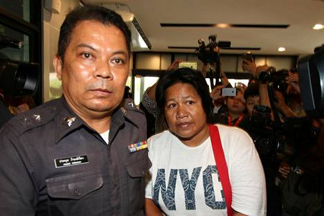 Patnaree Chankij tuotiin oikeuteen Bangkokissa lauantaina.