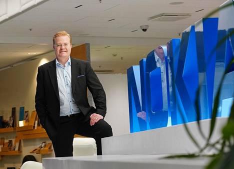 Nokian matkapuhelinverkkojen johtaja Tommi Uitto.