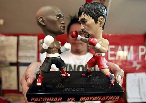 Filippiineillä myydään pienoismalleja Floyd Mayweatherista ja Manny Pacquiaosta.