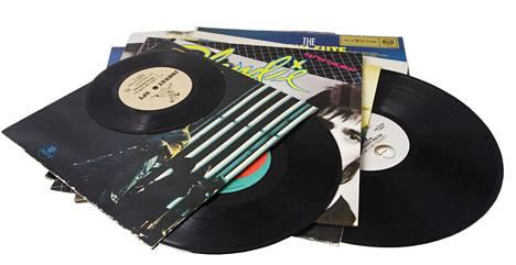 Yhdysvalloissa käytettiin huomattavasti enemmän rahaa vinyylilevyihin kuin cd-levyihin.