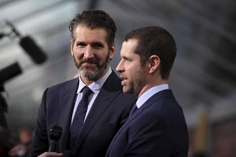 David Benioff (vas.) ja Dan Weiss Game Of Thronesin kauden ensi-illassa maaliskuussa 2015.