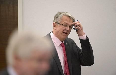 Perhe- ja peruspalveluministeri Juha Rehula (kesk) eduskunnan täysistunnossa keskiviikkona.