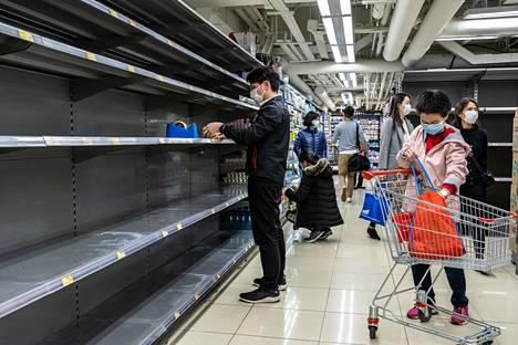 Kaupoissa on pulaa peruselintarvikkeista.