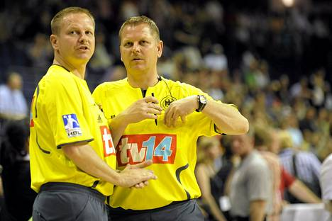 Bernd ja Reiner Methe tuomitsivat muun muassa miesten käsipallon EM-finaalin 2010.