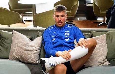 Jalkapallomaalivahti Jesse Joronen on siirtänyt treeninsä sisätiloihin Italian Brescian karanteenitoimien vuoksi. Joronen kuvattiin Helsingissä syyskuussa 2019.