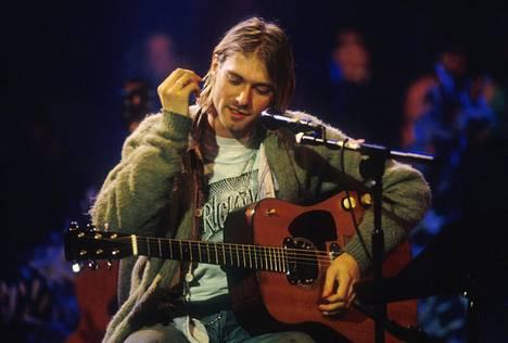 Kurt Cobain ja puoliakustinen Martin-kitara MTV Unplugged -esityksen nauhoituksissa Sonyn studioilla New Yorkissa marraskuussa 1993.