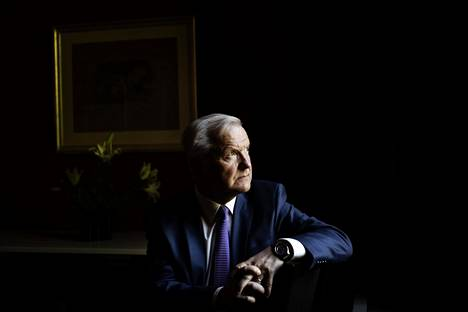 Suomen Pankin pääjohtaja Olli Rehnin mielestä komission ehdotuksesta olisi hyötyä myös Suomelle.