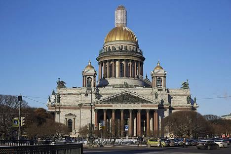 Iisakinkirkko Pietarissa on päätetty antaa Venäjän ortodoksikirkolle. Viime vuosikymmenet se on ollut museo, jossa Neuvostoliiton romahduksen jälkeen on pidetty satunnaisesti myös kirkonmenoja.