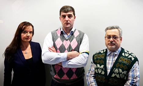 Pääkaupunkiseudulla asuvat Evgenija Vasik (vas.), Denis Pertsev ja Aleksandr Nesterov ovat huolissaan kotimaansa tilanteessa.