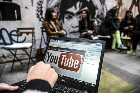 YouTubeen pääsy estettiin Turkissa 27. maaliskuuta.