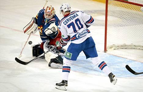 Jokerien maalivahti Henrik Karlsson pelasi Sibiriä vastaan virheettömän ottelun.